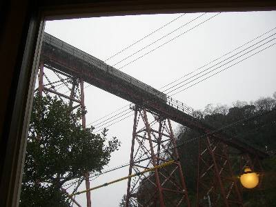 cafe de かあら店内から見る余部鉄橋