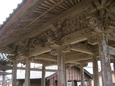 永尾山長橋寺三門の見事な彫り物